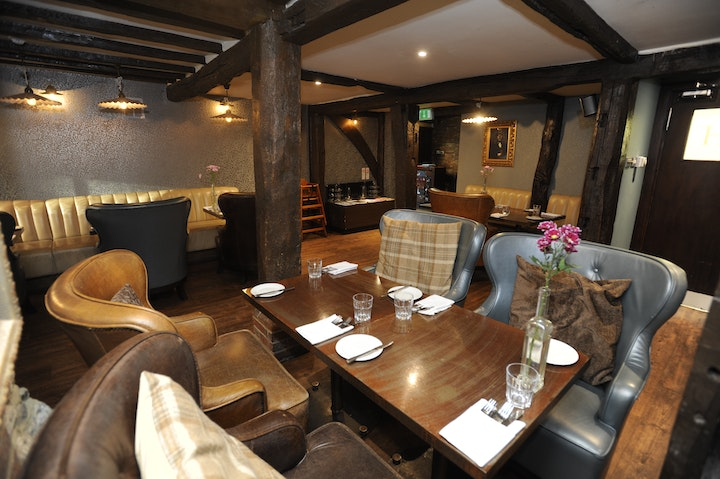 As A Village Bar And Dining Rooms The Hengist Offers Range Of Options Including Casual Option On Ground Floor Two More Formal